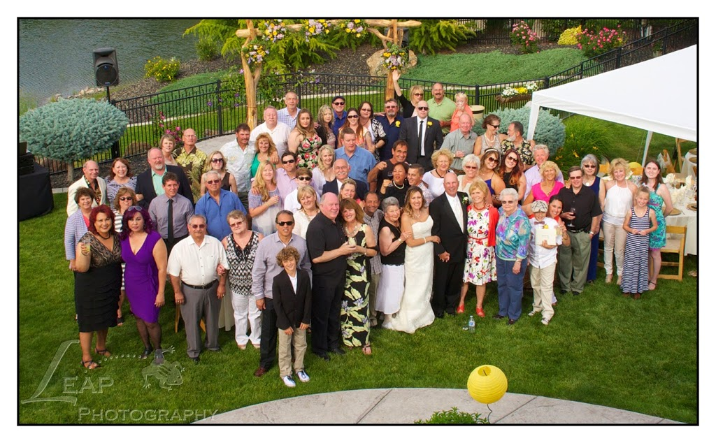 group portrait of guests at Boise wedding