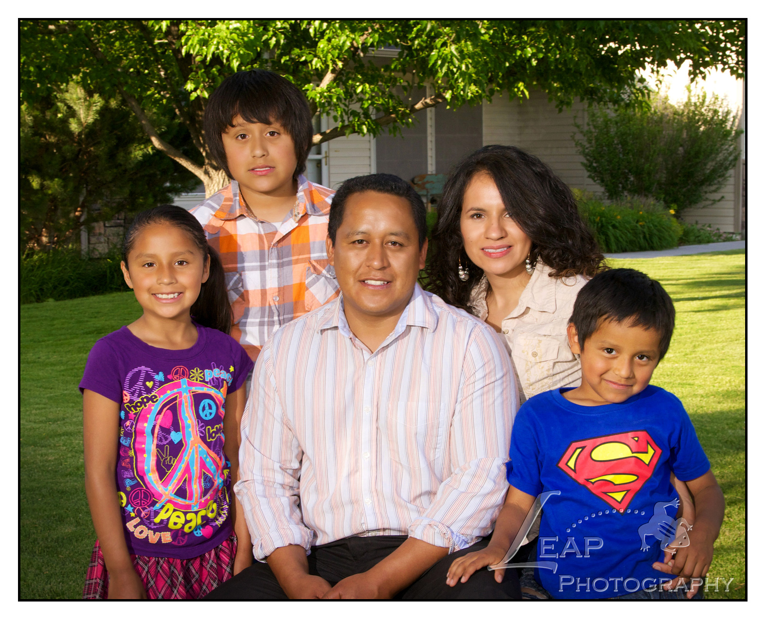 family portrait  of Nampa Idaho family