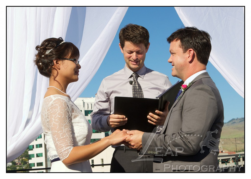 Boise couple exchanging vows