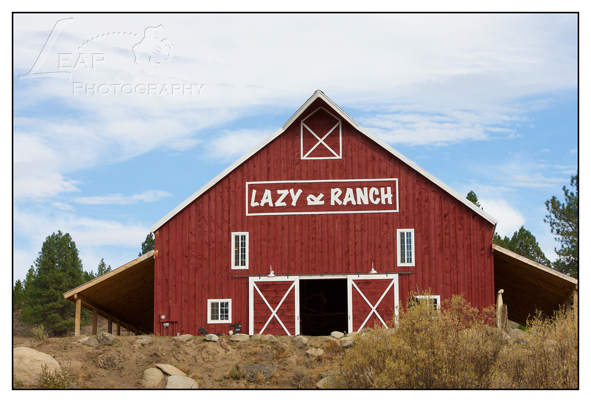 Lazy-R-Ranch-Idaho-barn-wedding-001