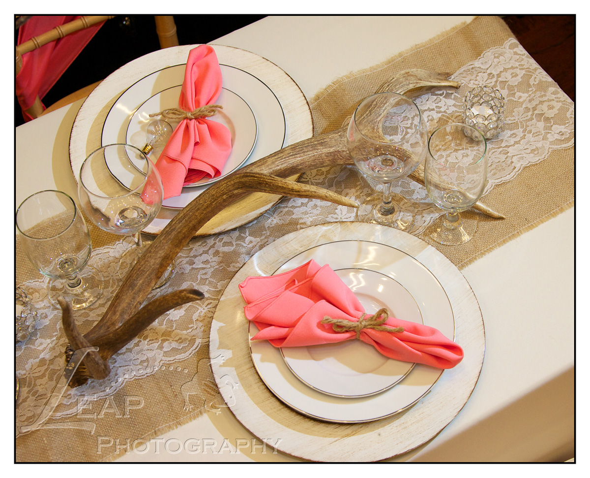 antlers as centerpiece in wedding decor