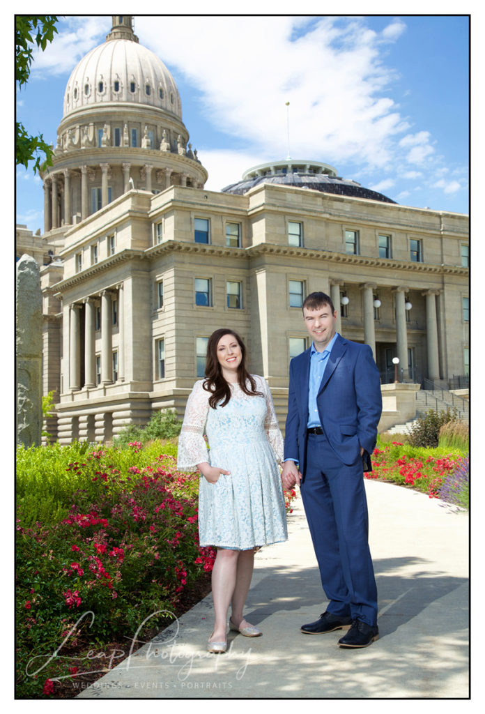elopement photo in front of Idaho State Capitol
