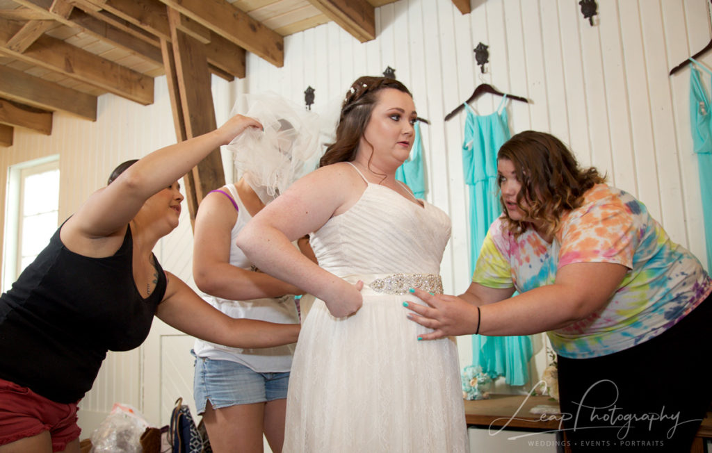 getting ready photo at boise barn wedding