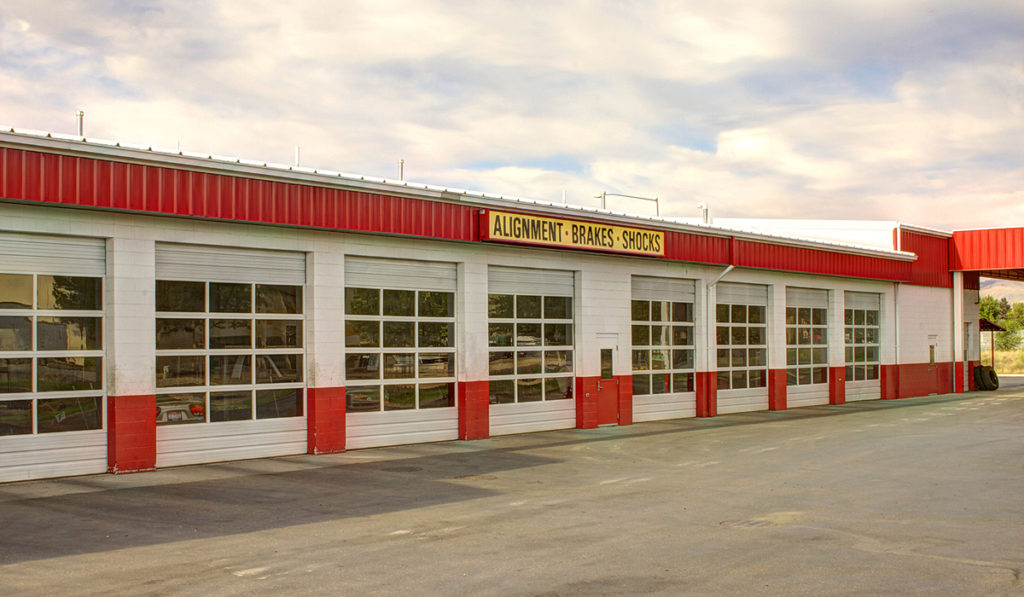 tire store building exterior photo