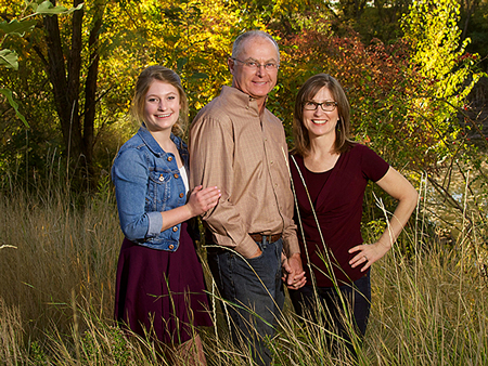 outdoor family picture at Shakespeare Park in boise Idaho